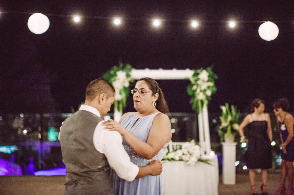 san   diego wedding photographer | woman in light purple dress dancing with groom   on dance floor