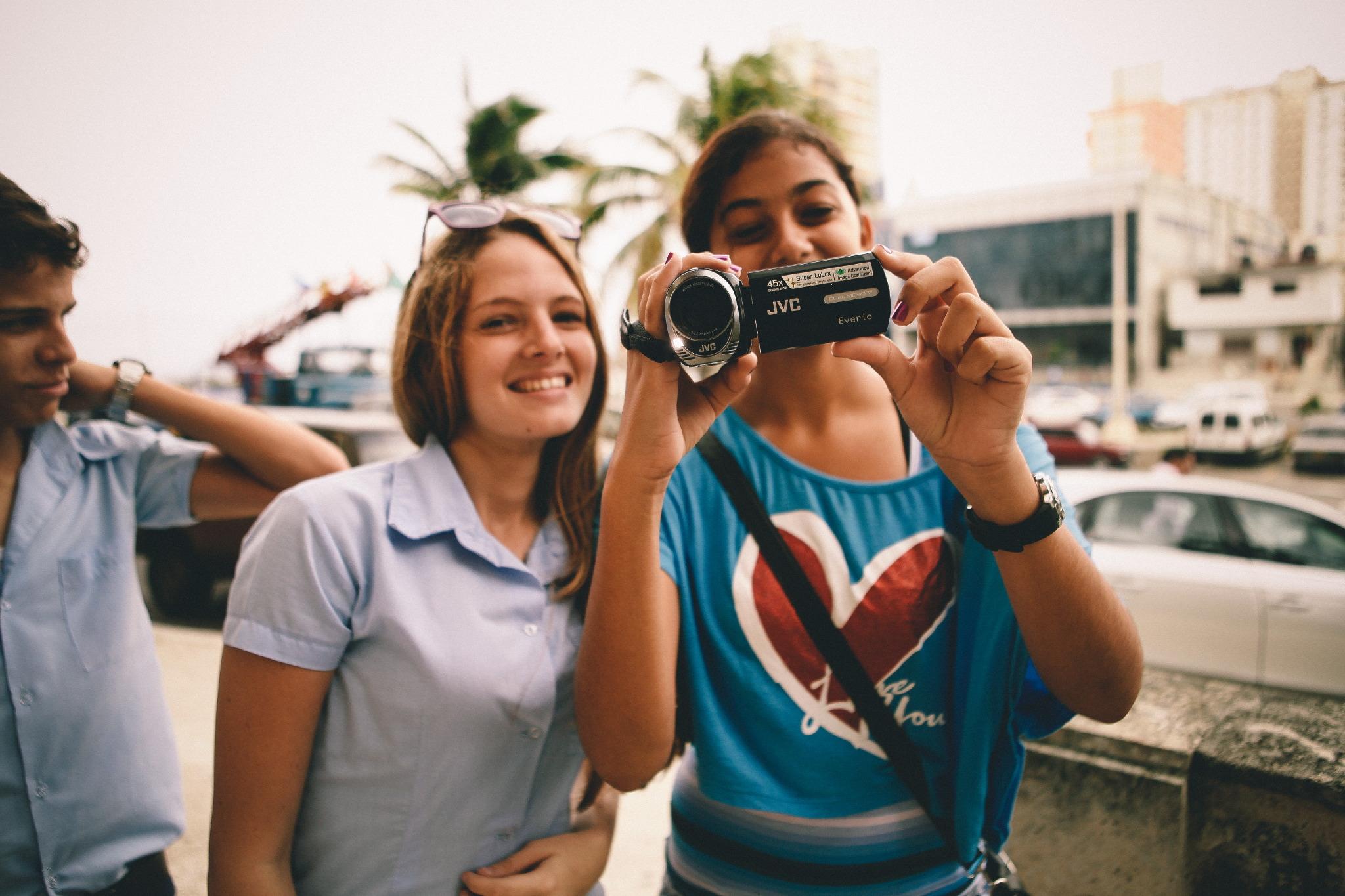 san diego wedding   photographer | women with digicam smiling