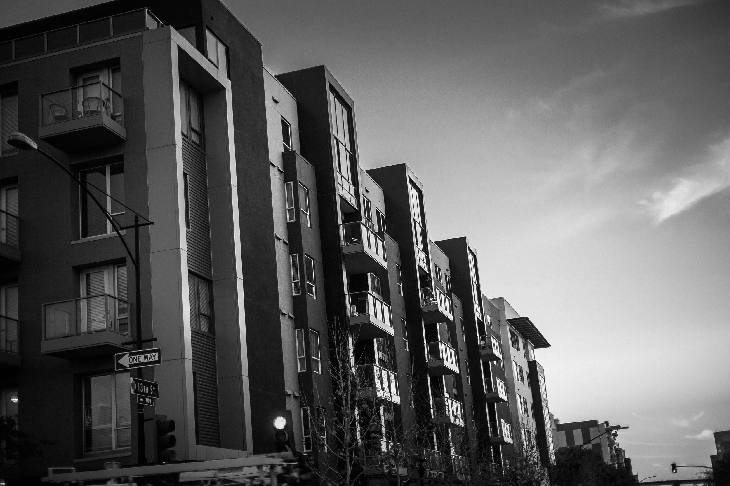 san diego wedding   photographer | monotone shot of apartment units