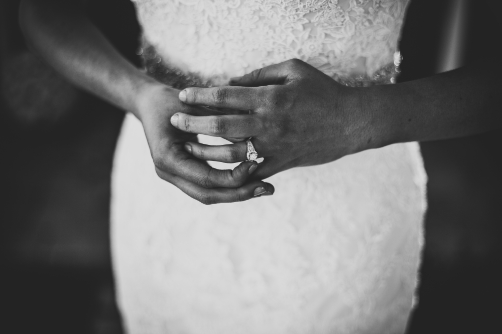 san diego wedding   photographer   monotone closeup shot of bride's hand with ring on her finger