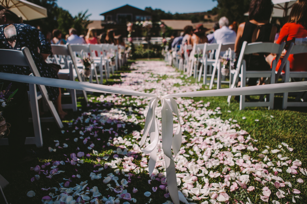 san diego wedding   photographer   view of wedding aisle with petals on ground