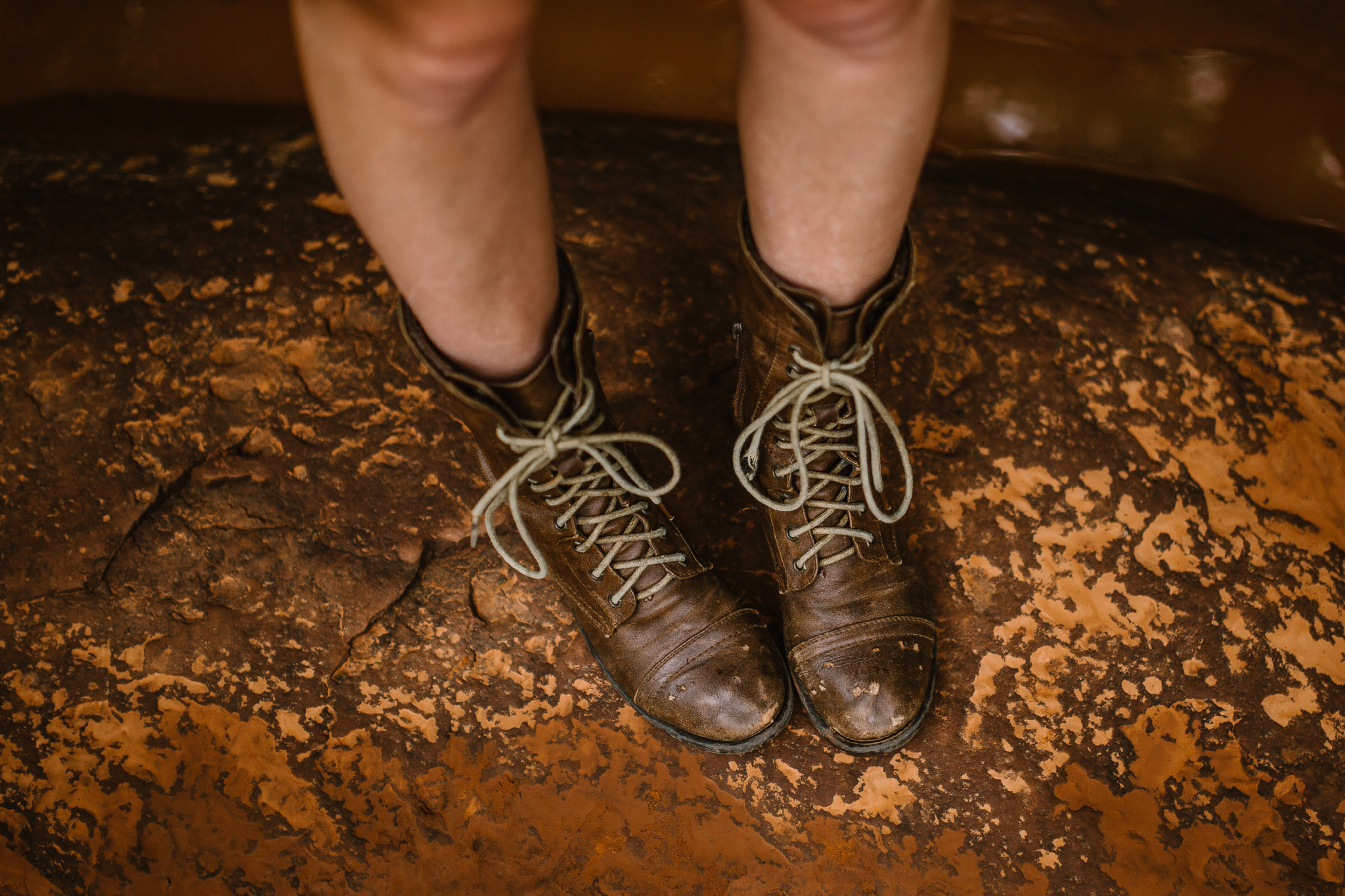 san diego wedding   photographer | feet of woman in boots