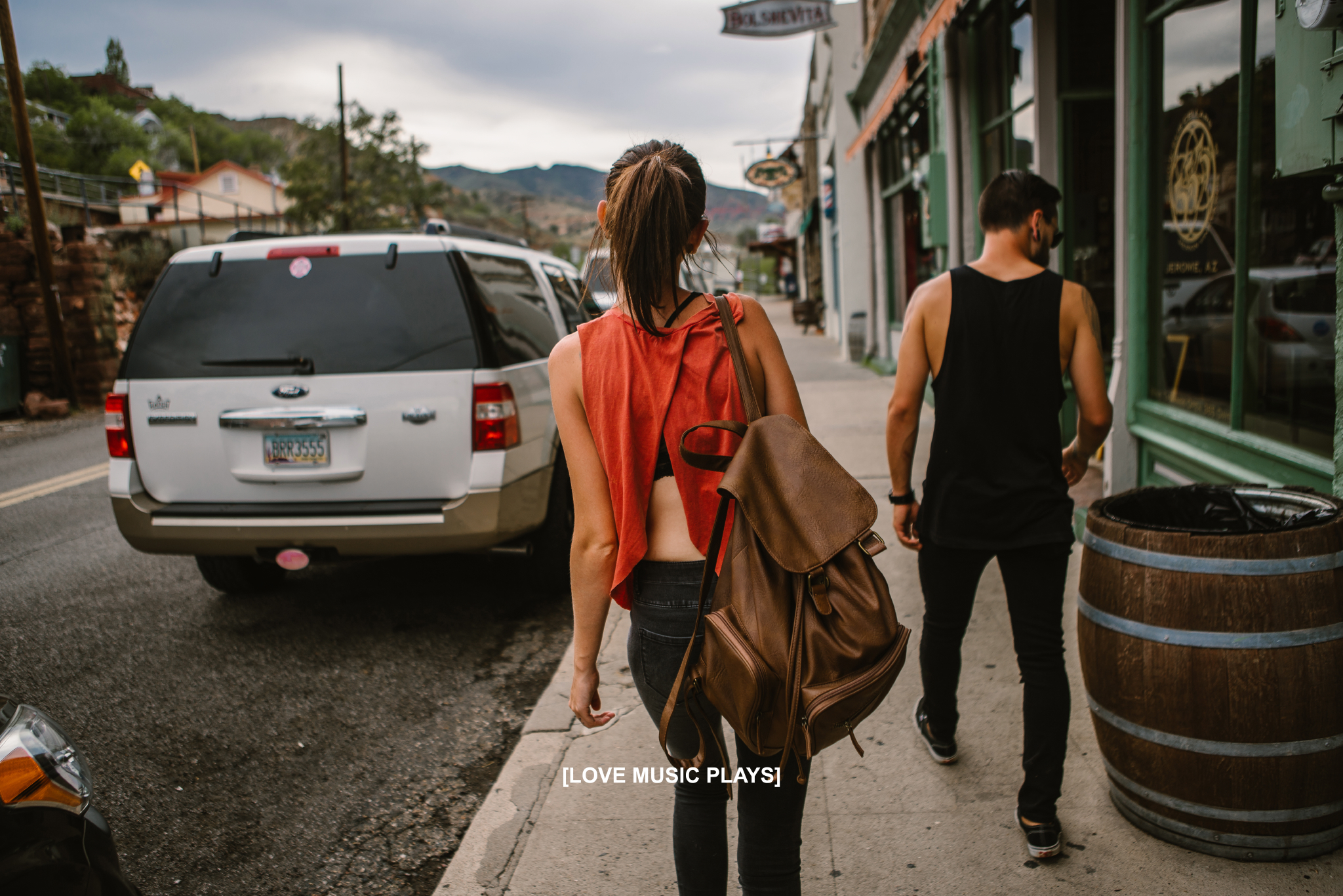 san diego wedding   photographer | woman with brown leather backpack