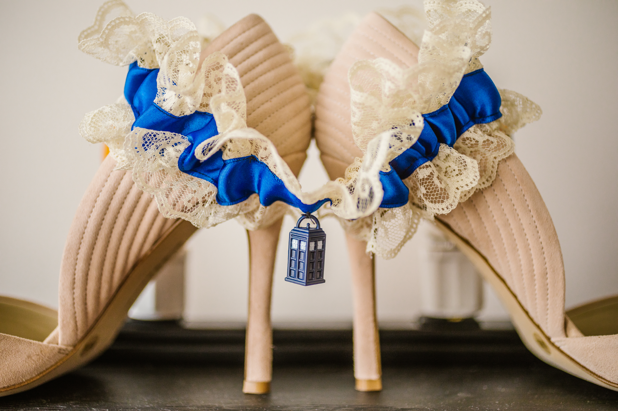 san diego wedding   photographer | heels with wedding band