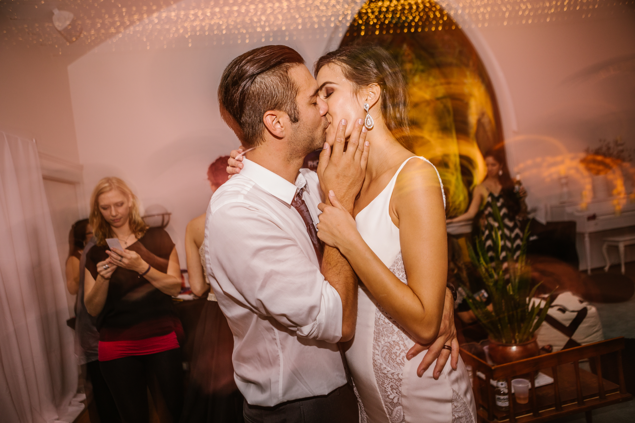 san diego wedding   photographer   bride and groom dancing and kissing