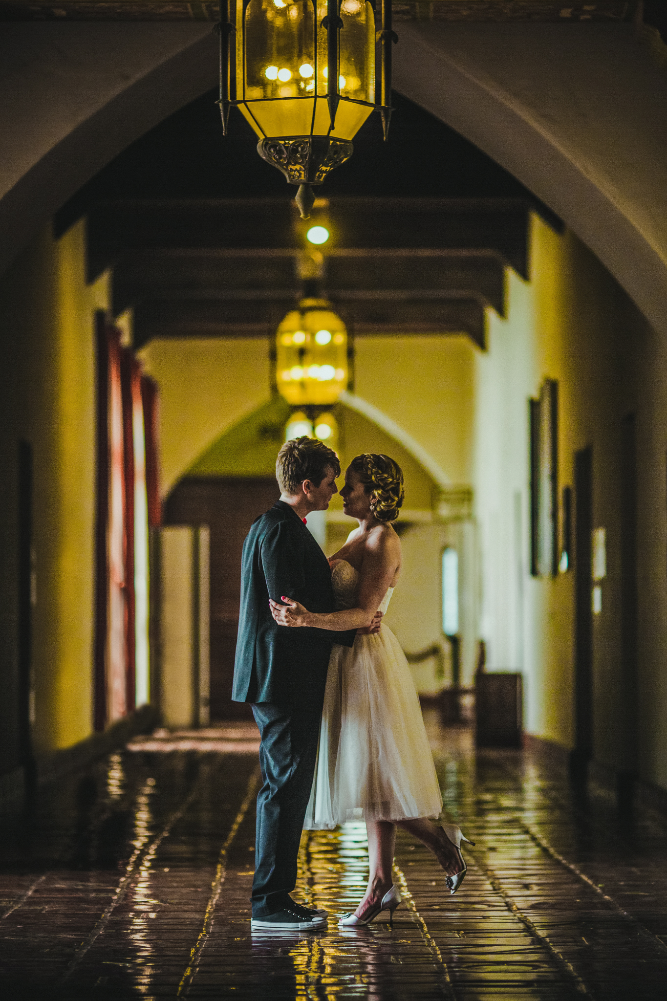san diego wedding   photographer | women about to kiss in hallway
