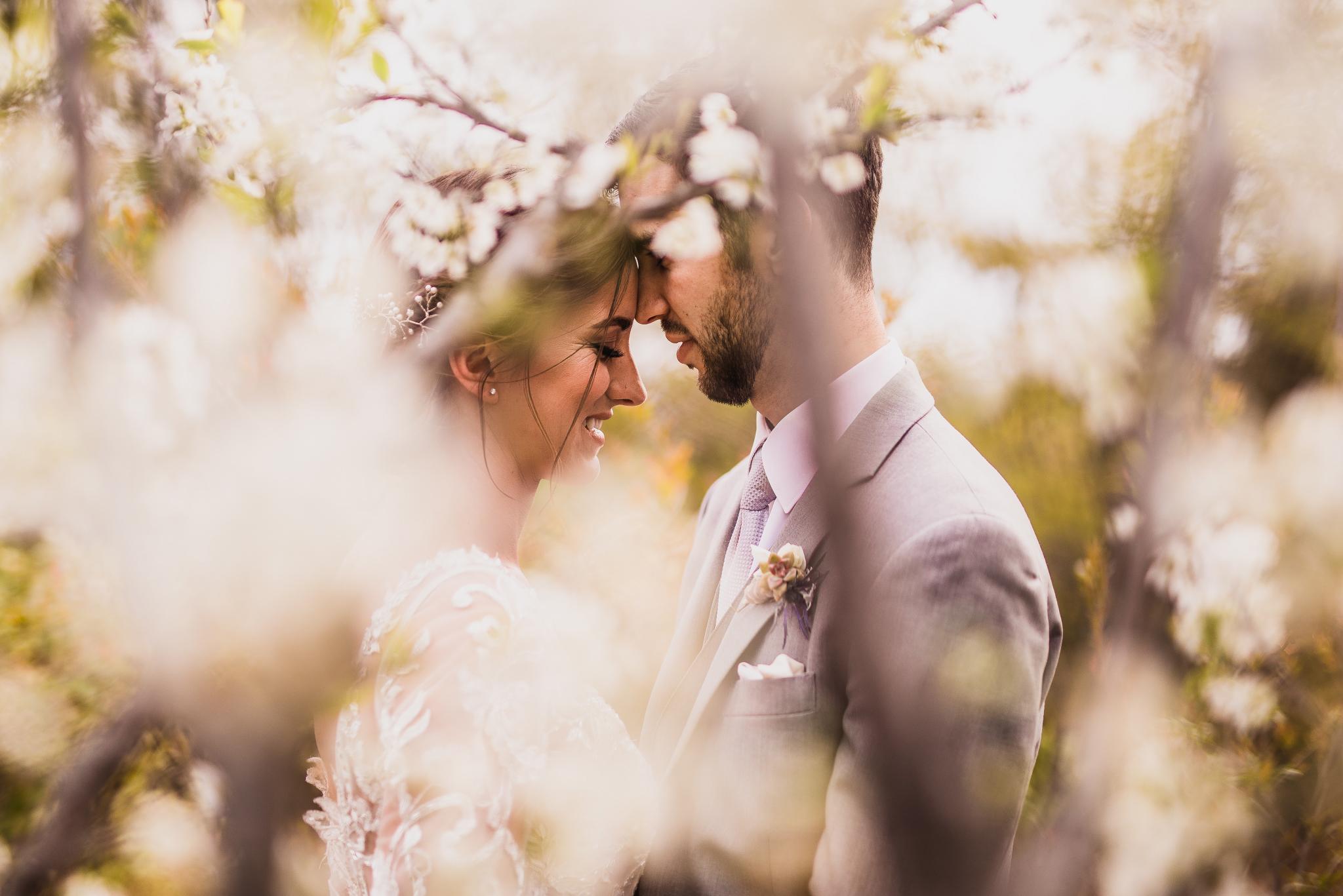 san diego wedding   photographer | couple behind flowers