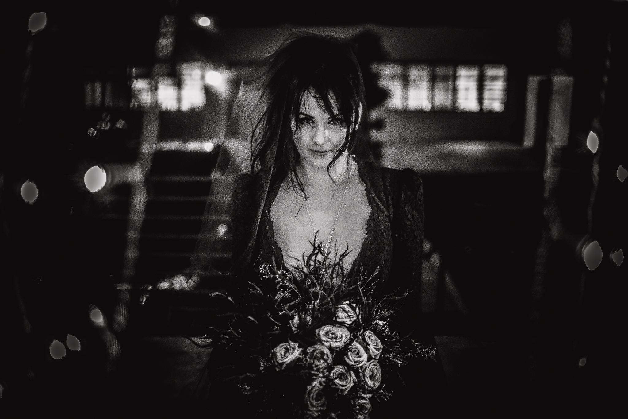 san diego wedding   photographer | woman in black holding flowers