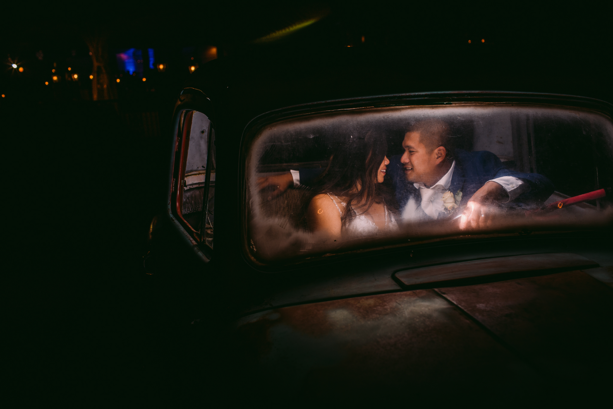 san diego wedding   photographer | couple talking in car