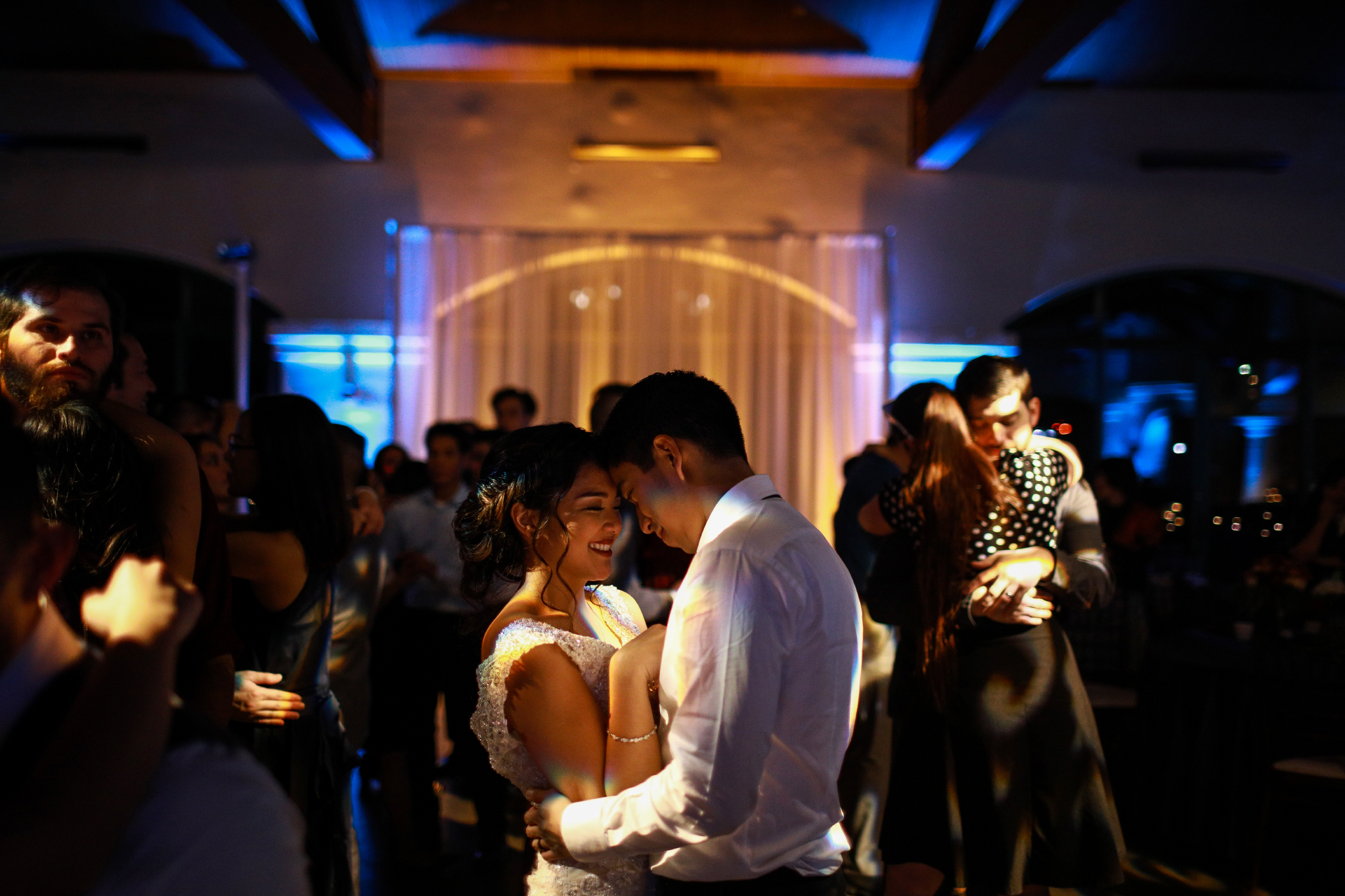 san diego wedding   photographer | couple dancing surrounded by people