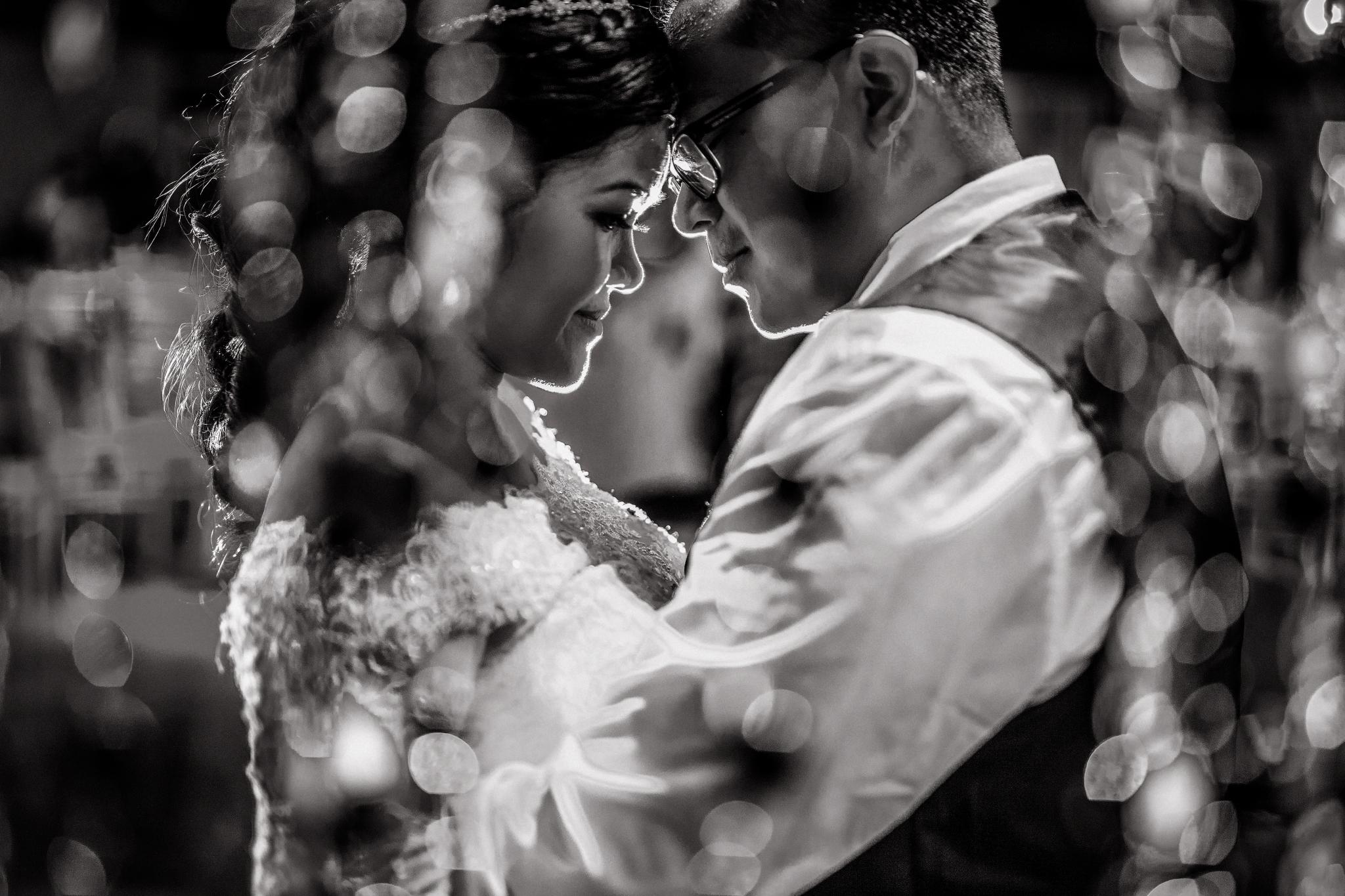 san diego wedding   photographer | couple holding each other
