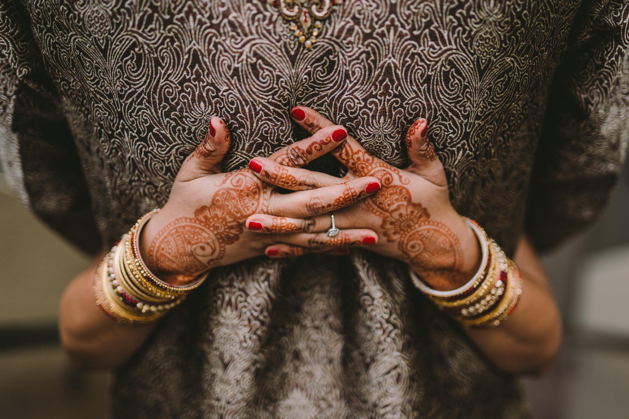 san diego wedding   photographer | hands behind back