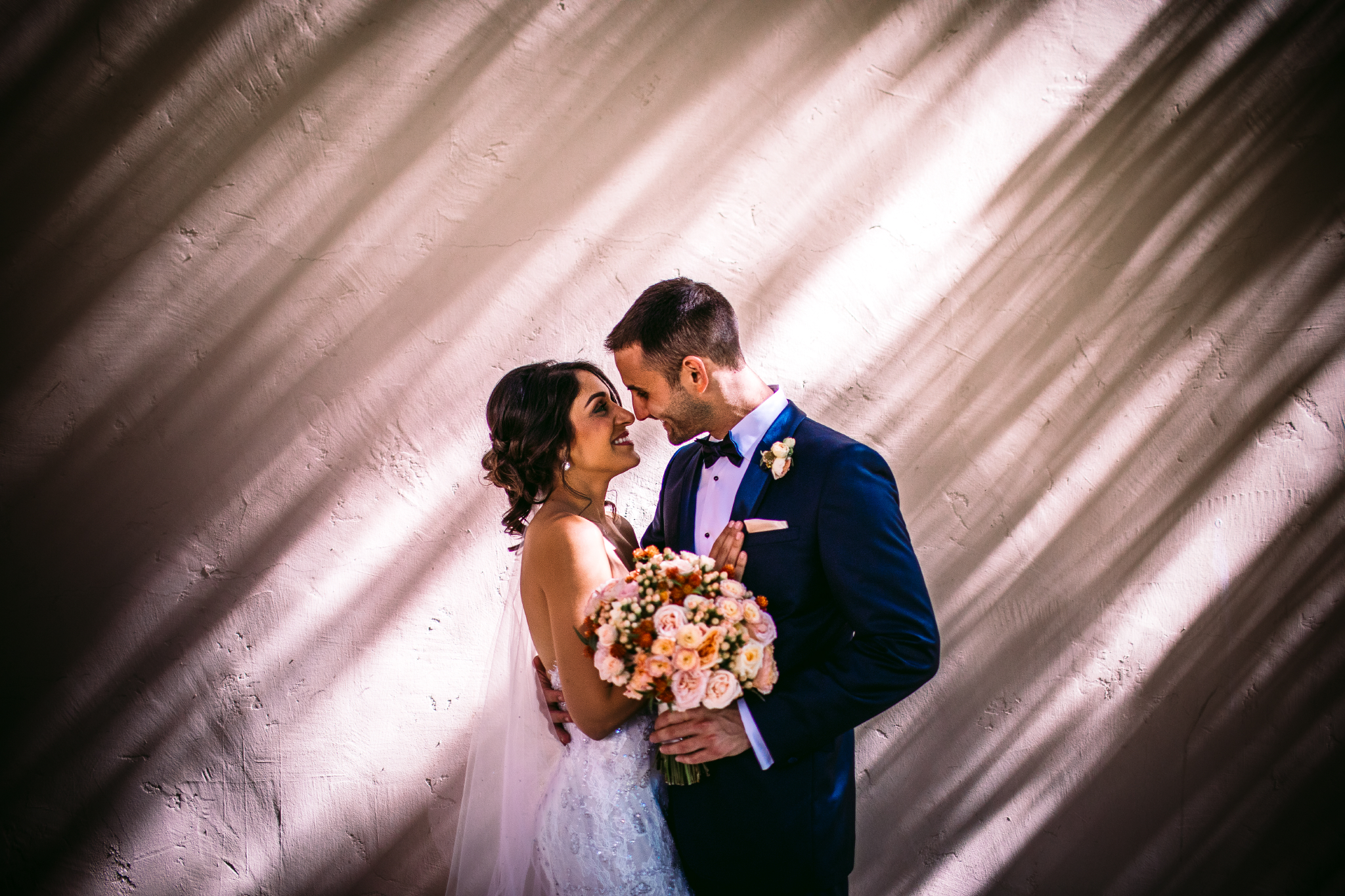 san diego wedding   photographer | couple in front of wall