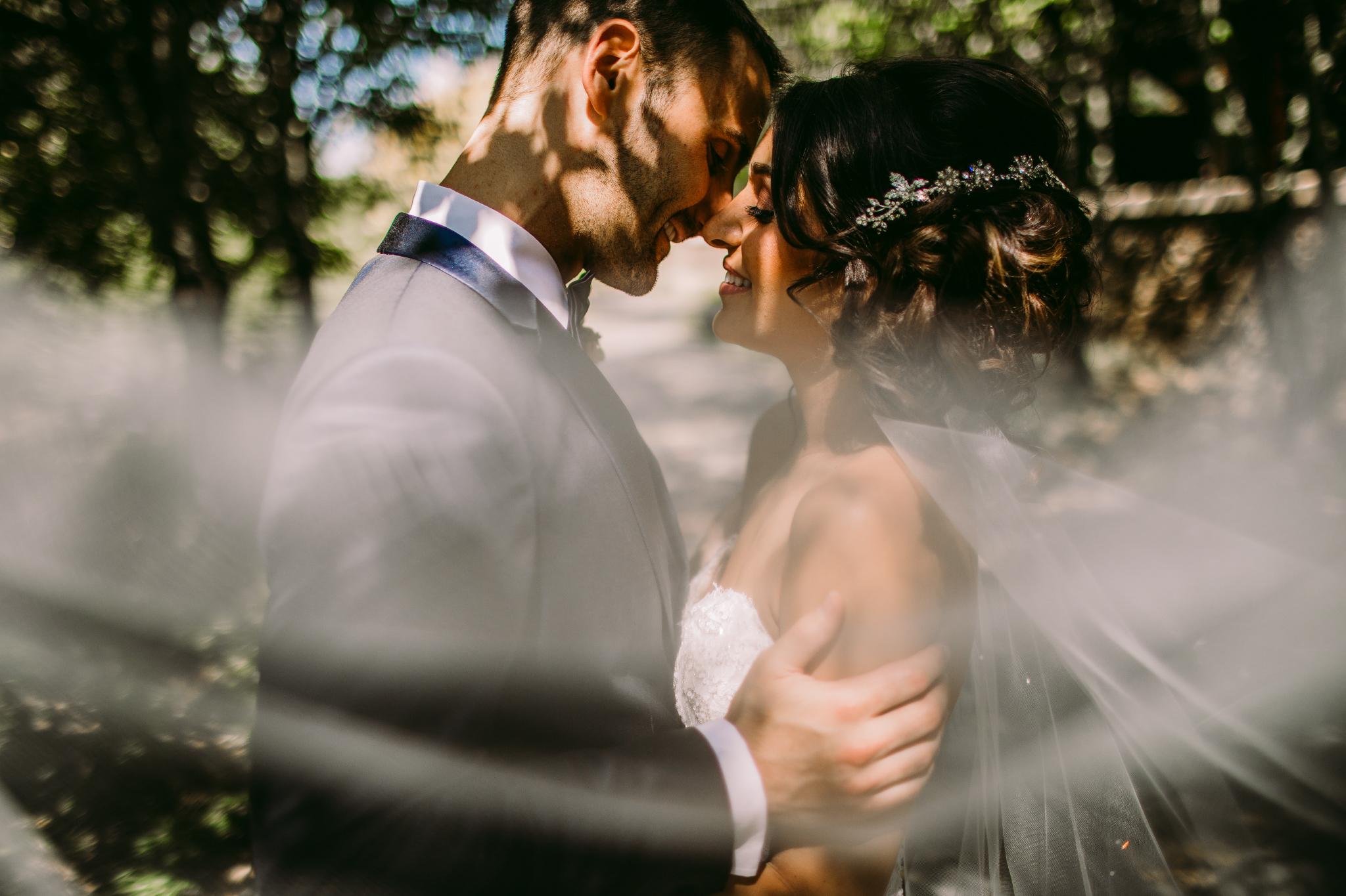 san diego wedding   photographer | couple behind veil