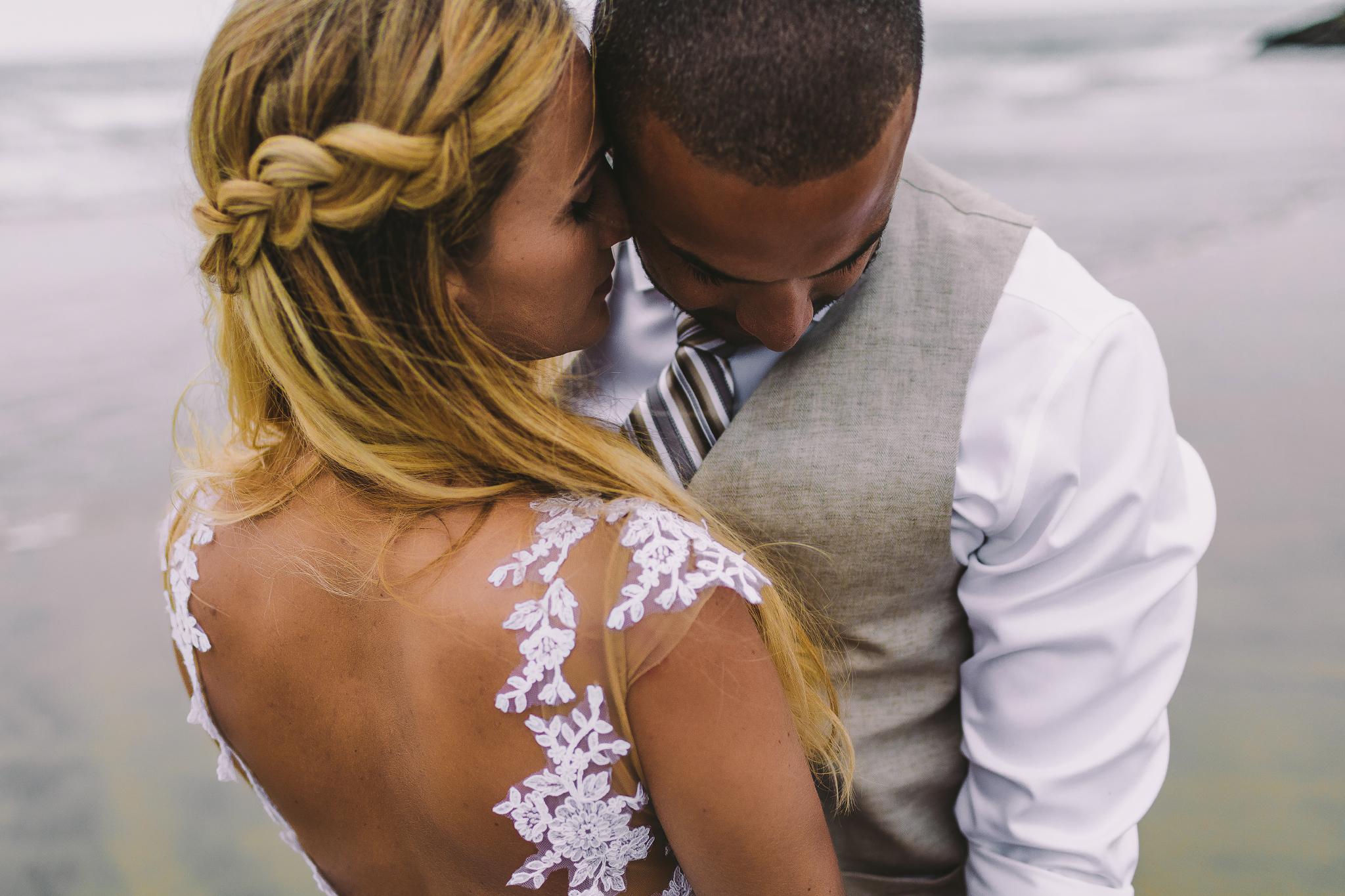 san diego wedding   photographer | woman whispering to man
