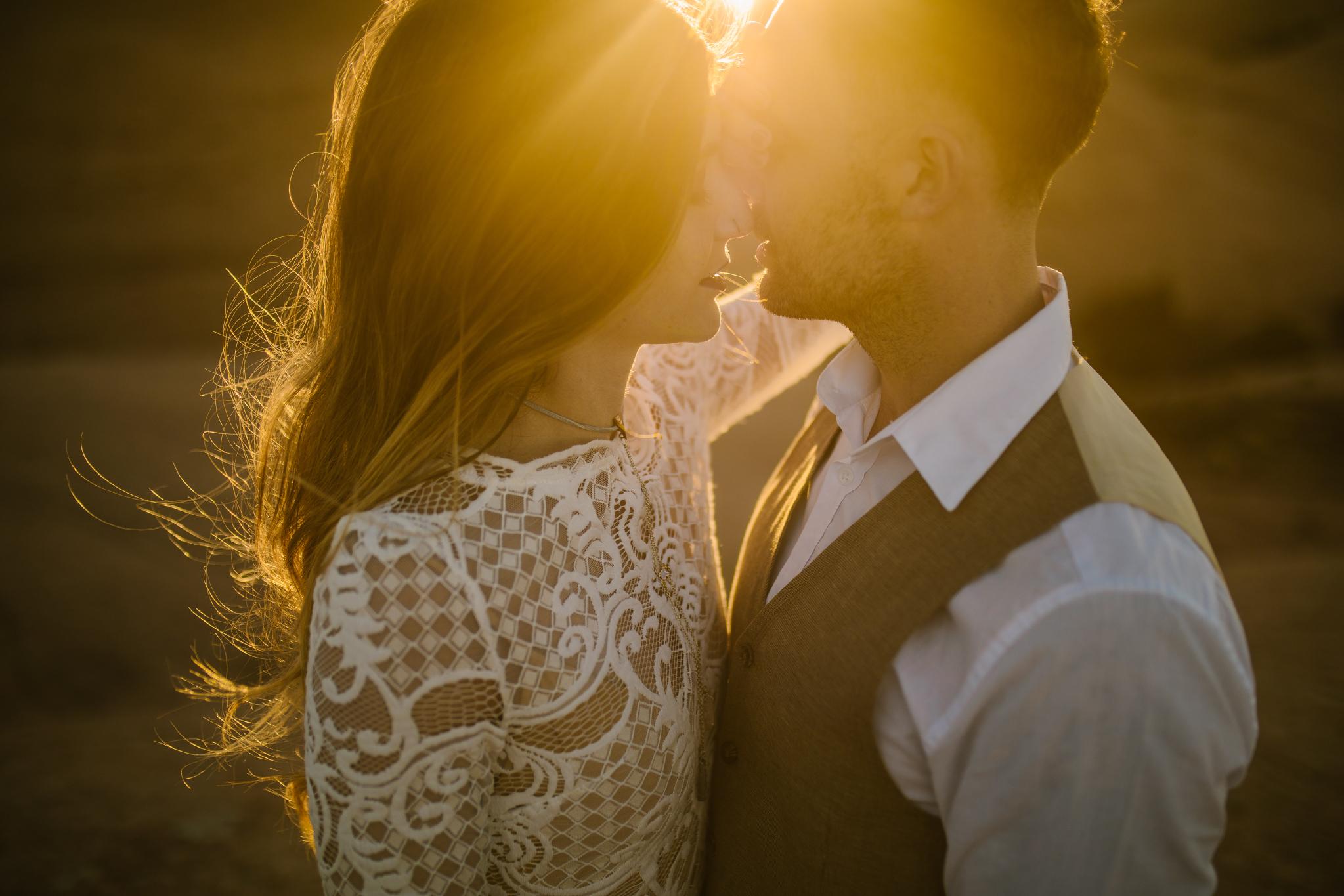 san diego wedding   photographer | couple kissing at sunset