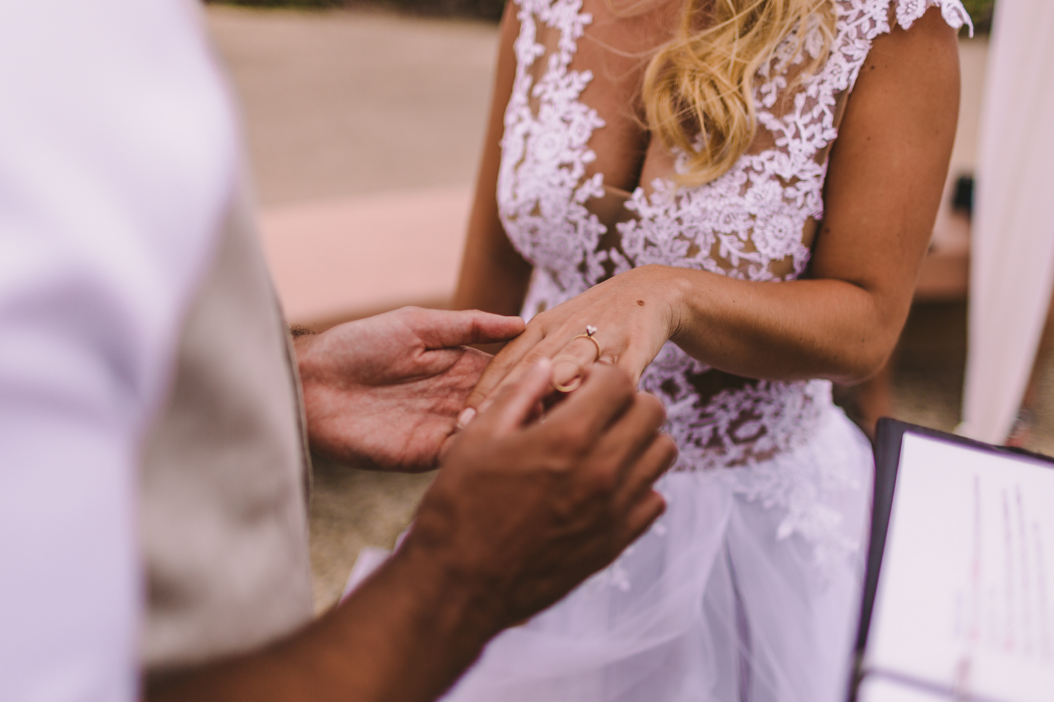 san diego wedding   photographer | torso of woman in dress with wedding ring on her finger
