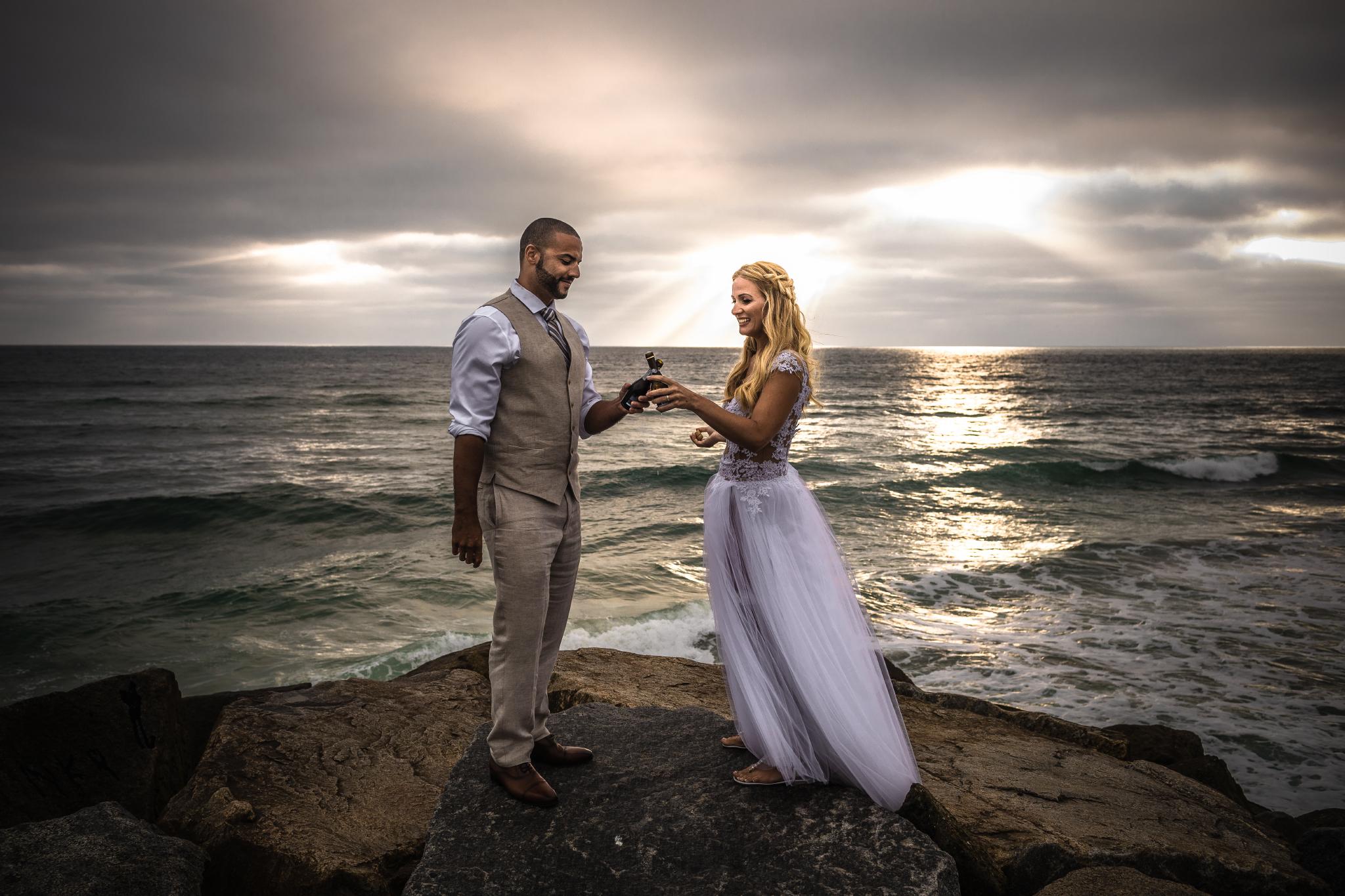 san diego wedding   photographer | married couple holding bottles