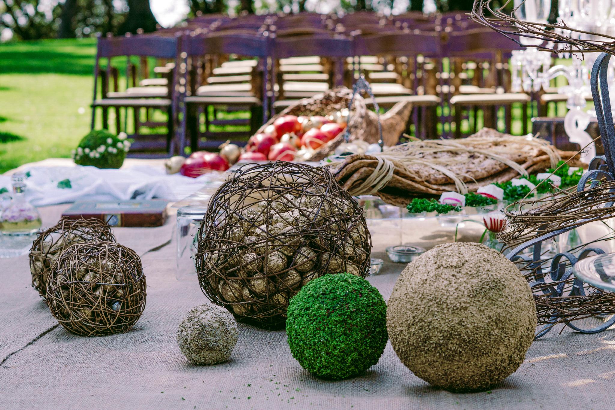 san diego wedding   photographer | balls of twine wrapped around seeds