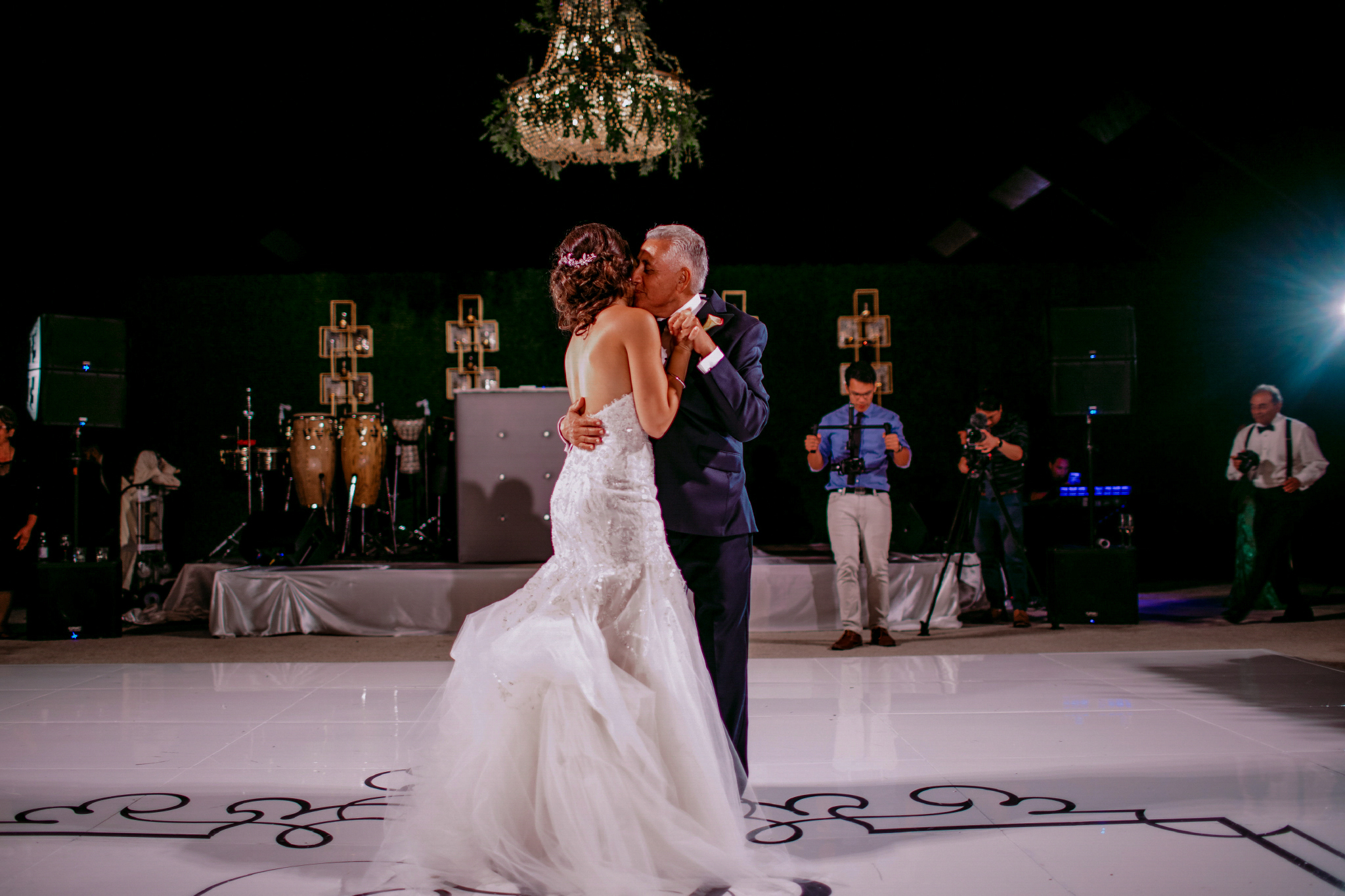 san diego wedding   photographer | bride dances with her father in the middle of the dance   floor