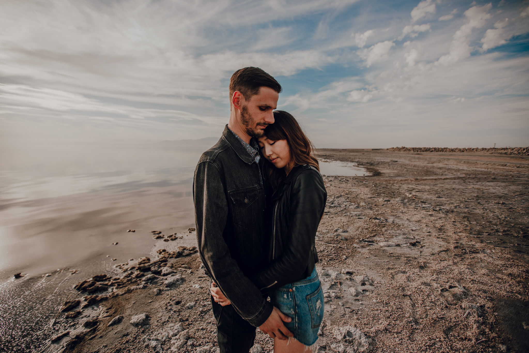san diego wedding   photographer | woman leaning her head on man's chest