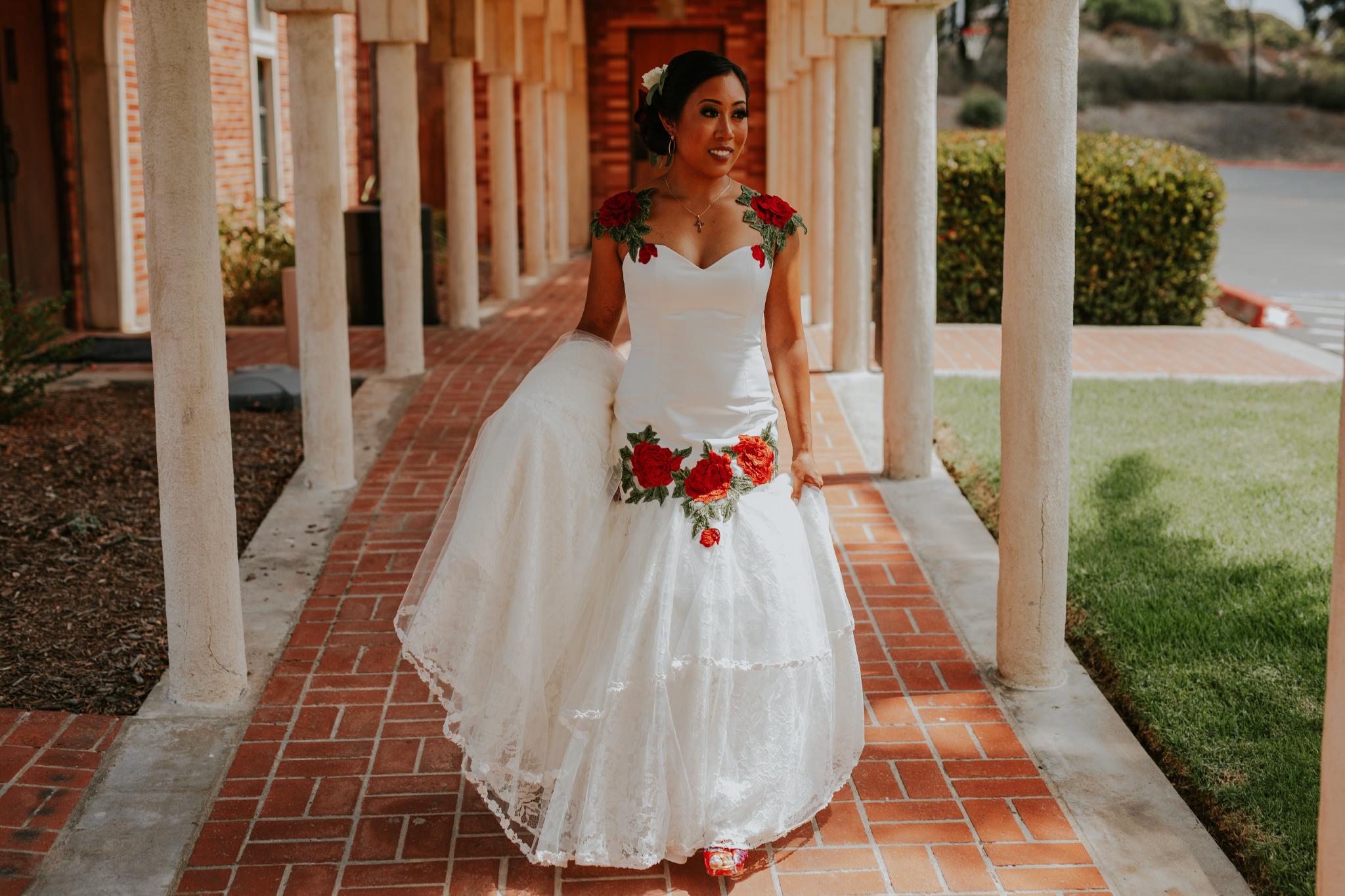 San Diego Wedding Photographer | bride posing at the hallways of torrey pines church