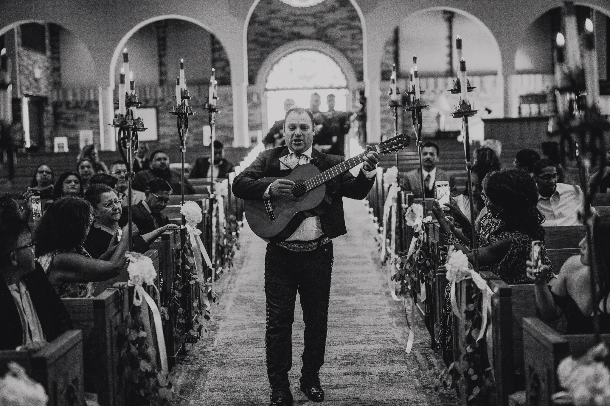 San Diego Wedding Photographer | Mariachi band playing at the wedding ceremony