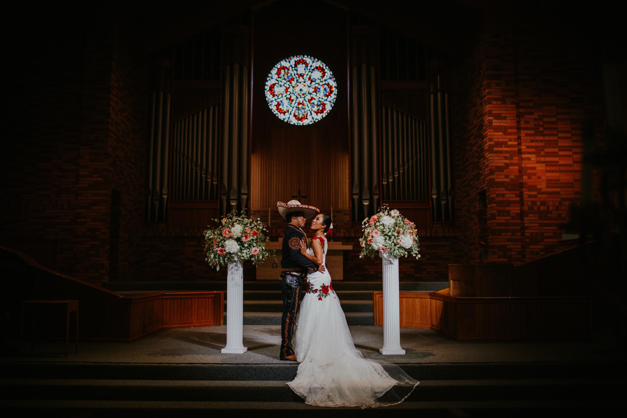 San Diego Wedding Photographer | wedding couple by the altar