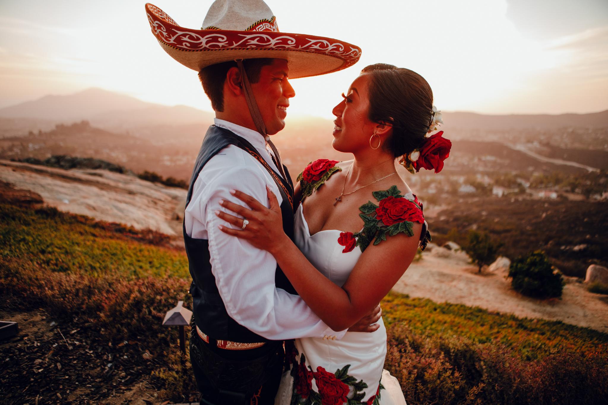 San Diego Wedding Photographer | couple posing during sunset at Montana cielo