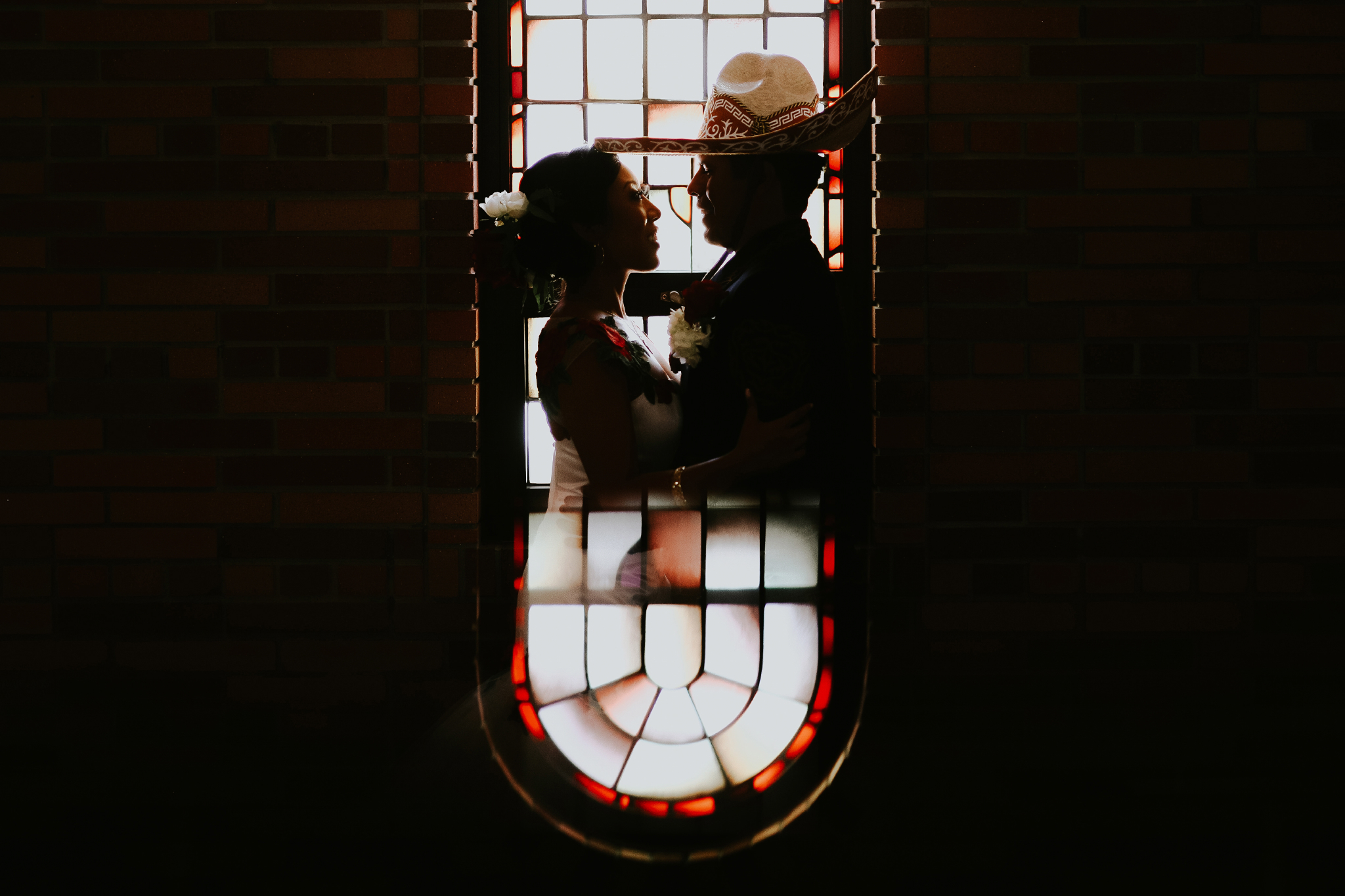 San Diego Wedding Photographer | couple portrait at the Torrey pines stained glass