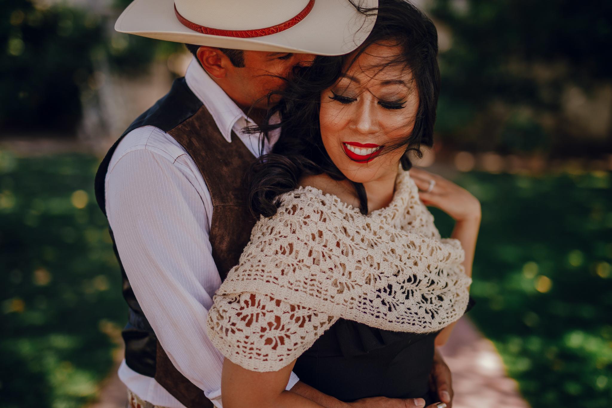 San Diego Wedding Photographer | wedding couple's engagement session
