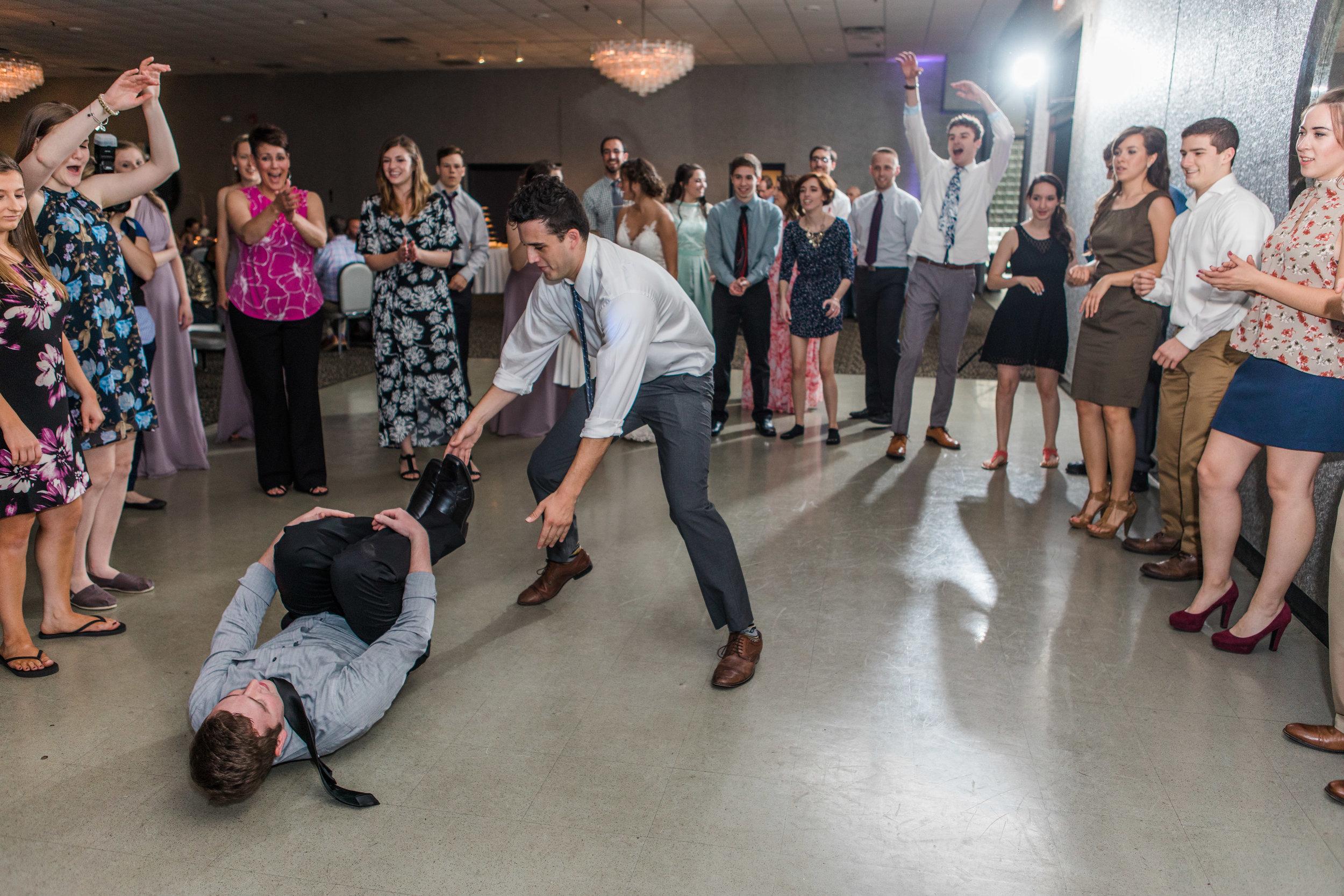 lar_weddings_Youngstown_Wedding_Photographer