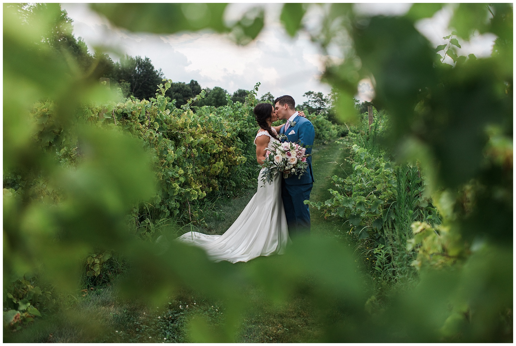 The Vineyards at Pine Lakes Wedding_Columbiana Ohio_L.A.R. Weddings