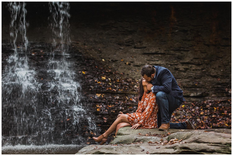 cuyahoga valley national park engagement session_LAR Weddings