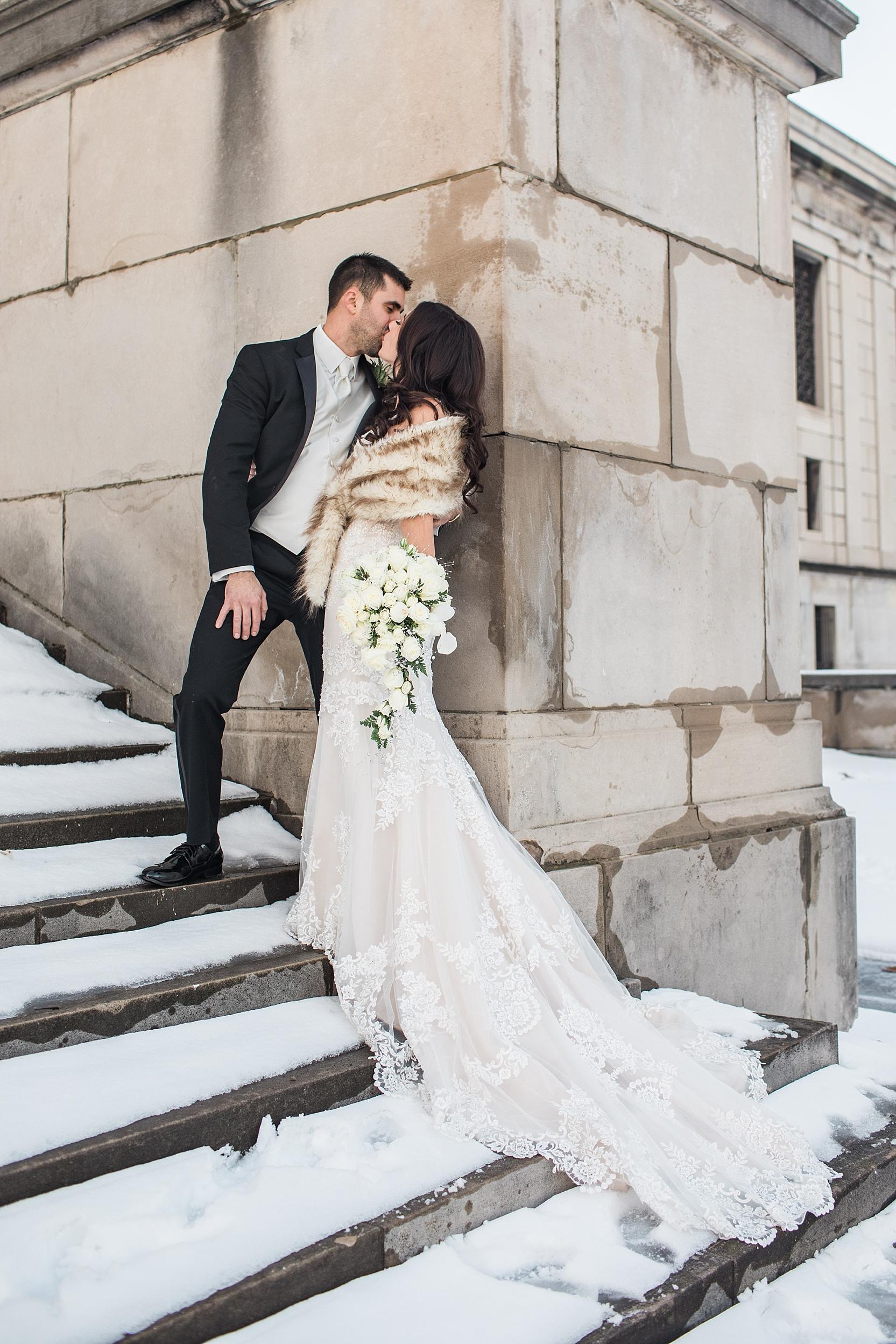 Youngstown Ohio Winter Wedding at Stambaugh Auditorium