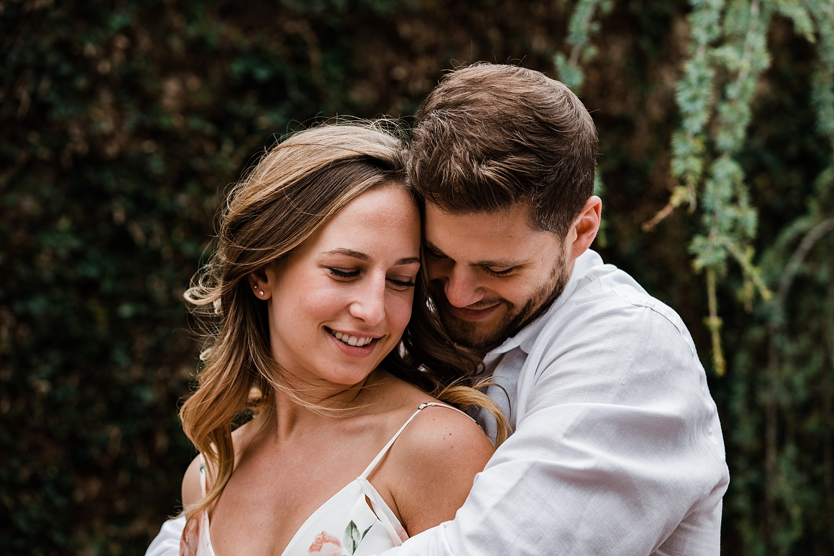 Spring Engagement Session at the Dallas Arboretum_Lindsey Ramdin_L.A.R. Weddings