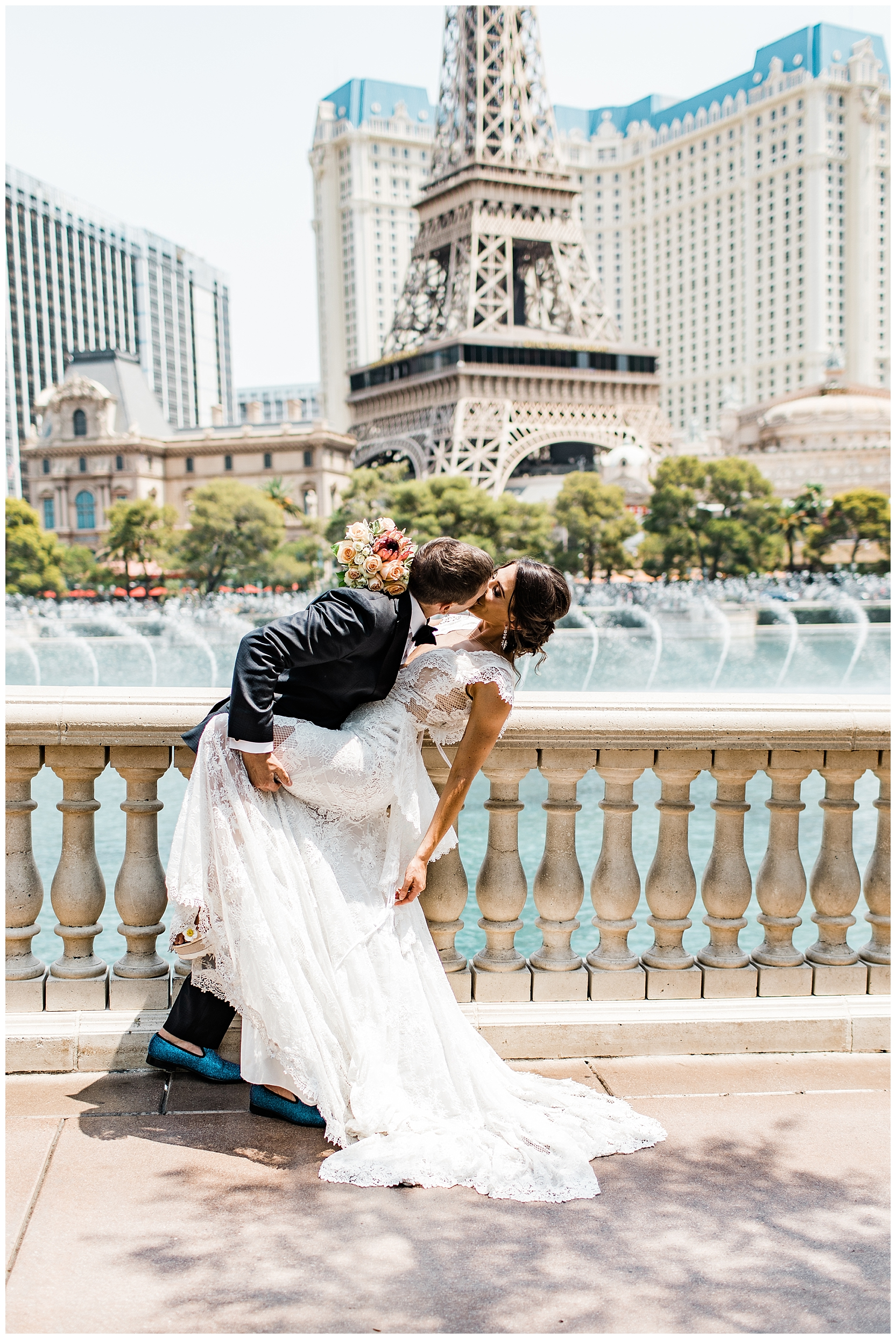 Las Vegas Elopement | Wedding Photos on the Vegas Strip| photo by Lindsey Ramdin, L.A.R. Weddings