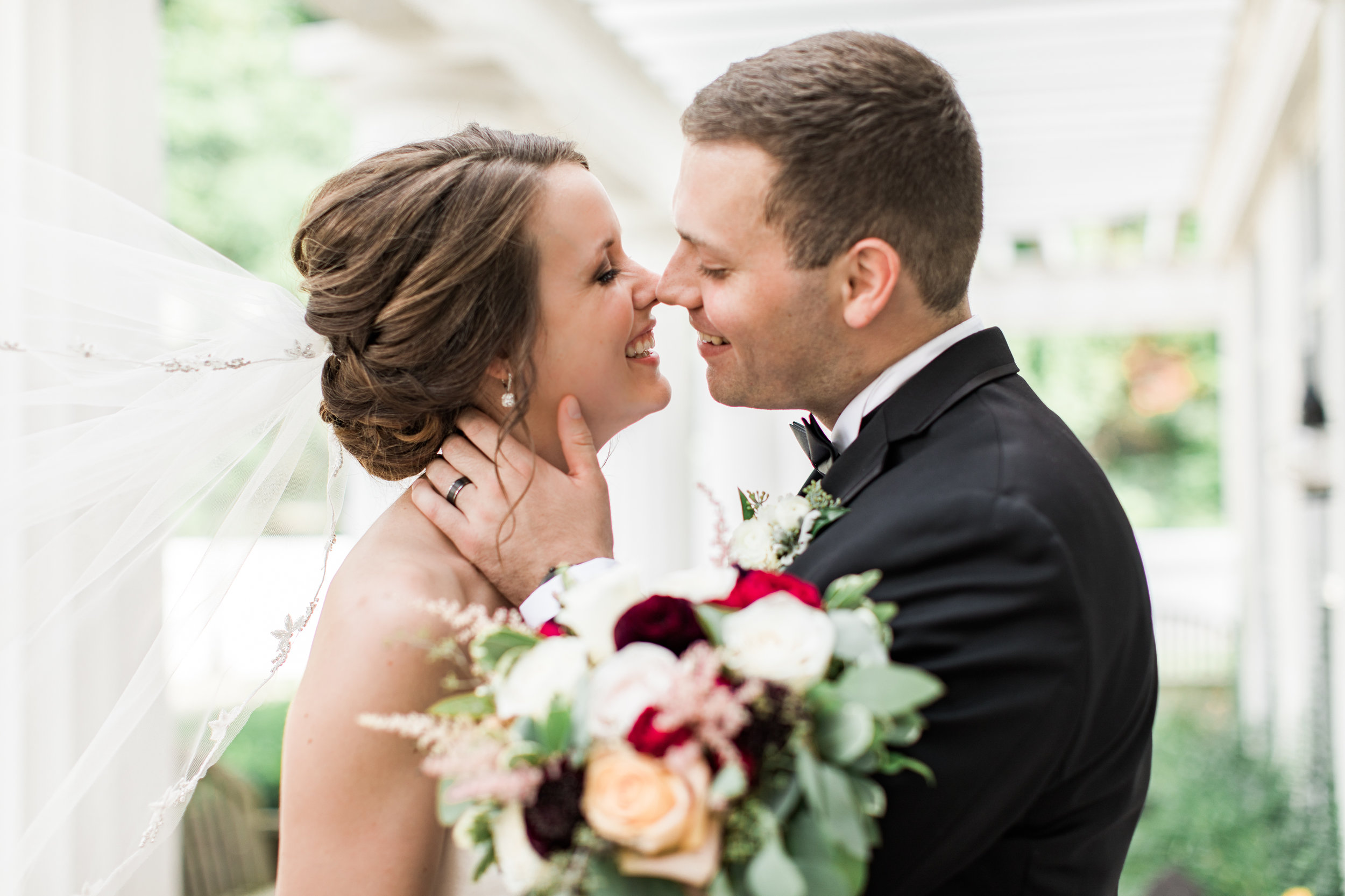 Best-Youngstown-Cleveland-Pittsburgh-Wedding-Photographer-Lindsey-Ramdin (4 of 6).jpg
