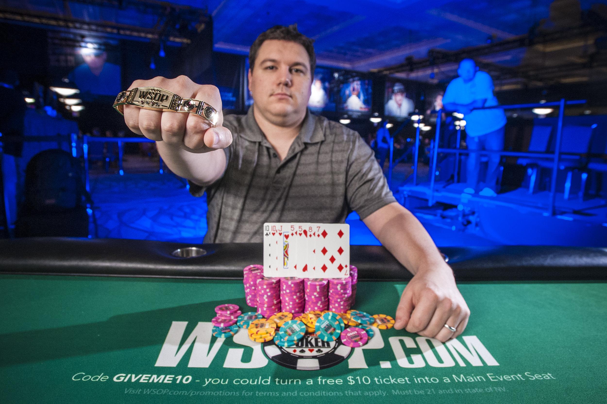 Shaun Deeb_2016 World Series of Poker_EV49_Day3_Amato_7DA6246.jpg
