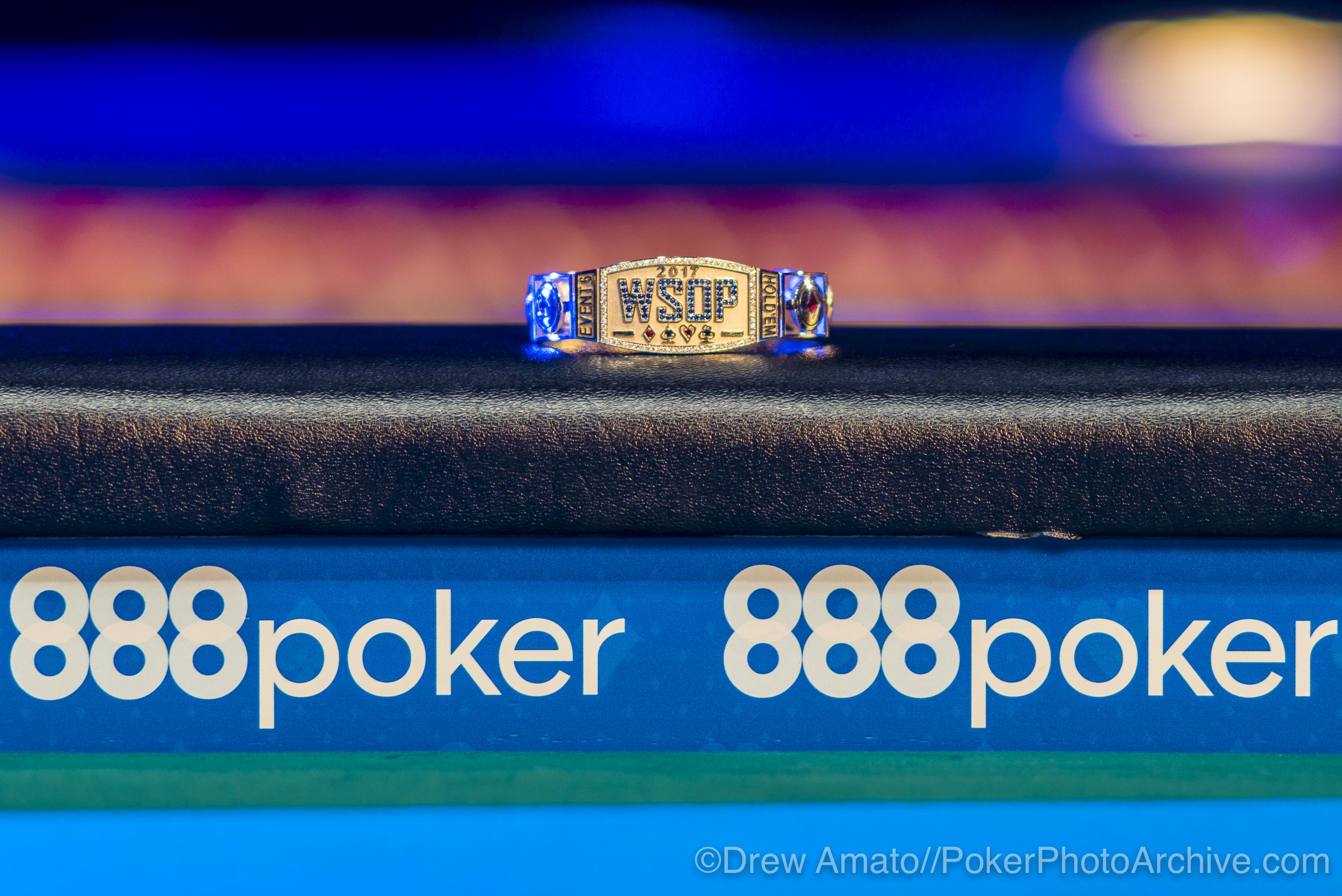 WSOP Bracelet_2017 WSOP_EV010_Day 3_Amato_DA60968.jpg