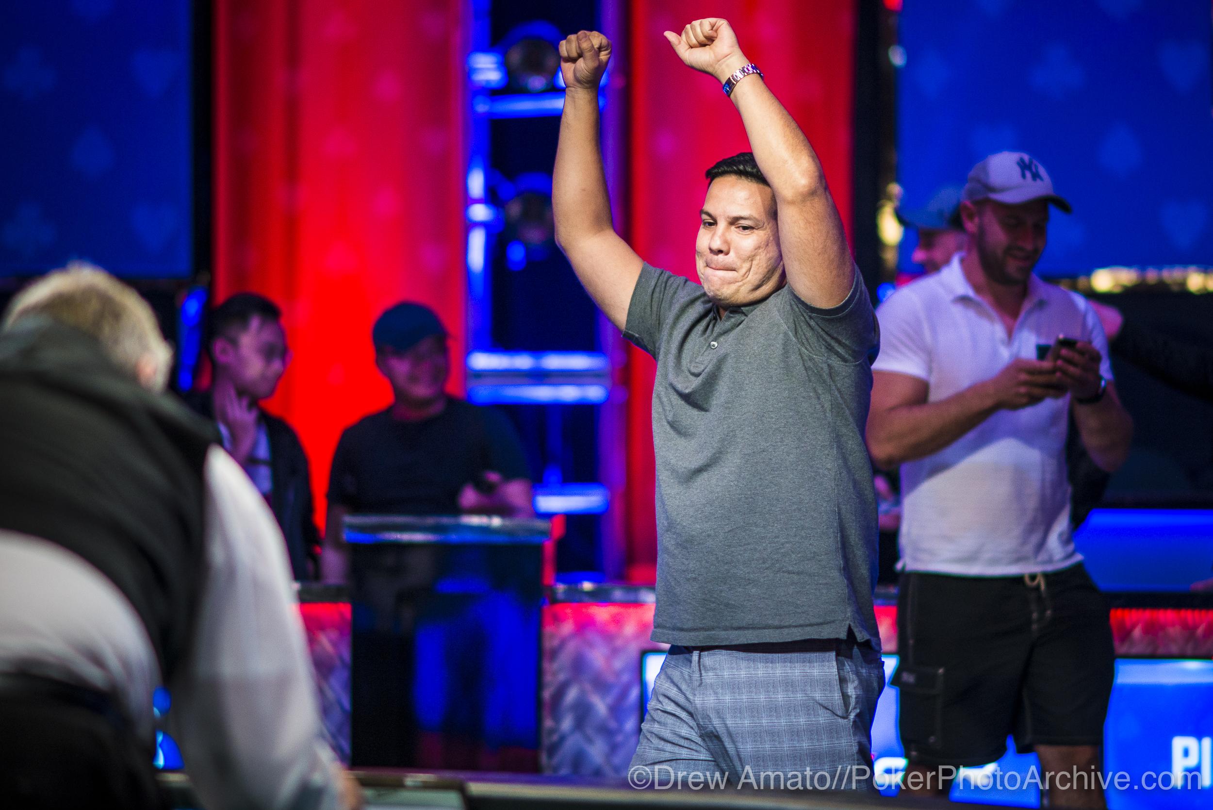 Luis Calvo Wins Event 49!_2017 WSOP_EV59_Day 1_Amato_DA68253.jpg