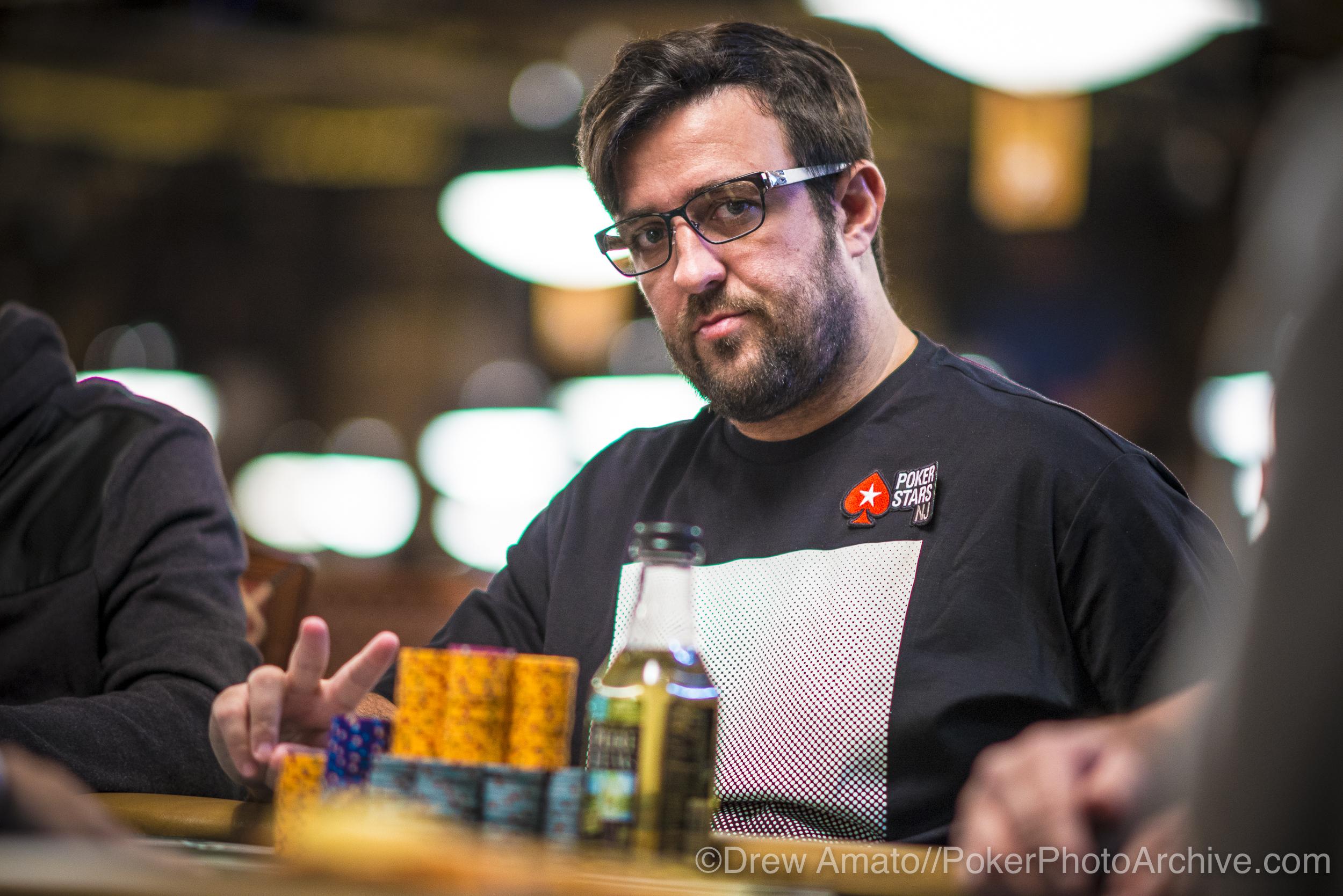 Andre Akkari_2017 WSOP_EV59_Day 1_Amato_DA65358.jpg
