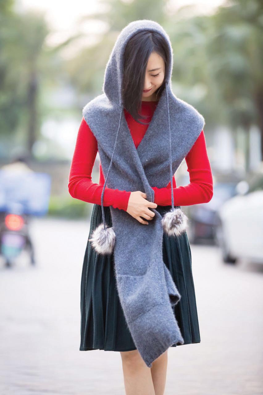 Street shot of Becky Li