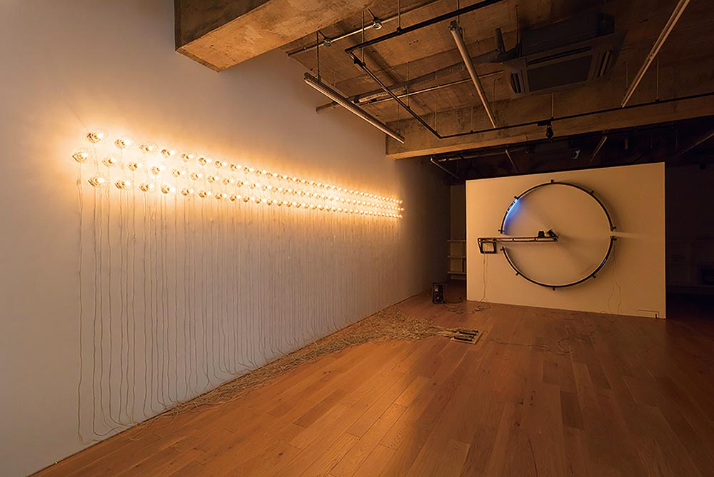 Point of Contact for 100 Incandescent Lamps #2  (2014) by Satoru Tamura
