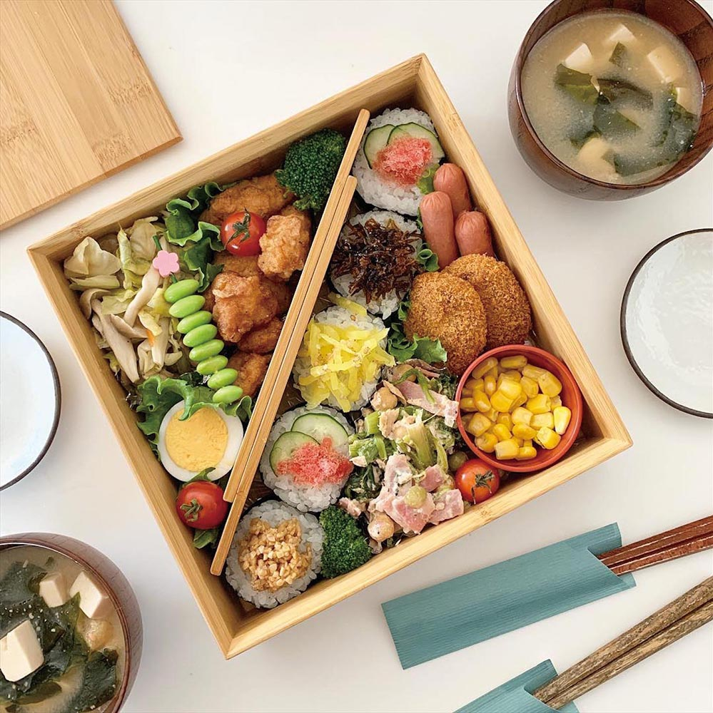 An elegant and complex bento by Yuka.Kuni