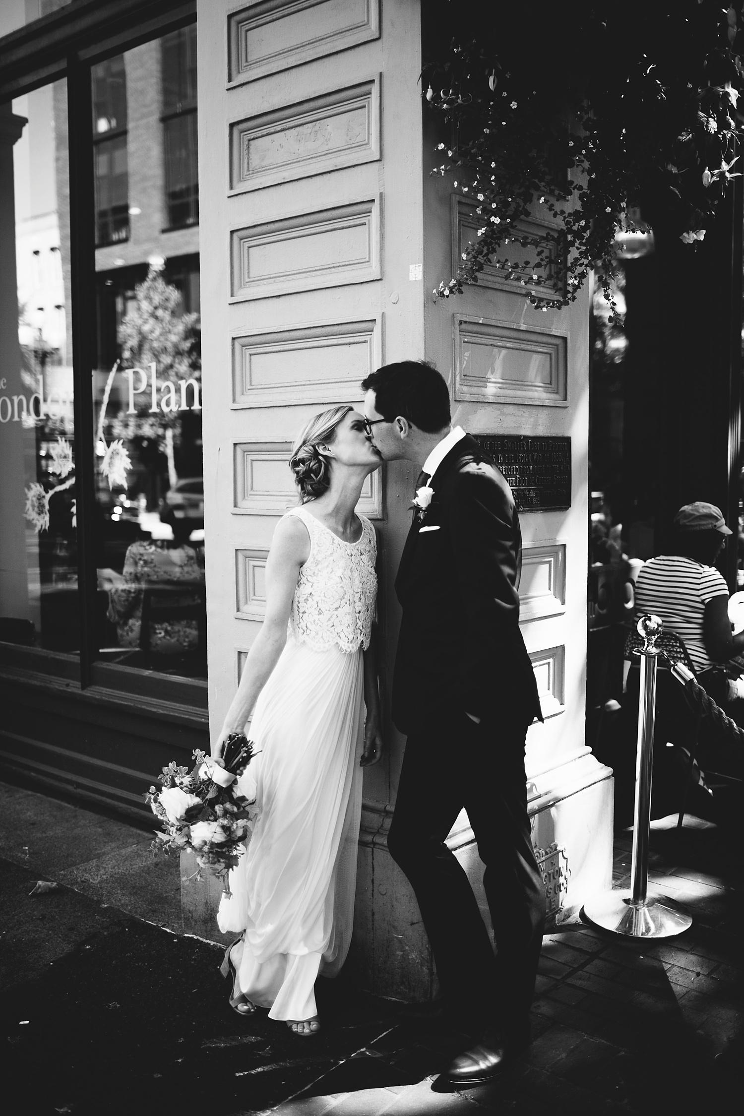 Seattle Wedding Photographer_012.jpg