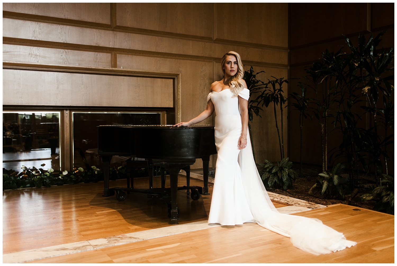 Fairmont Olympic Hotel Wedding_Elizabeth Zuluaga_Taylor & Caton_040.jpg