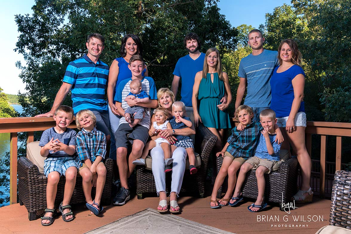 Family reunion photography session