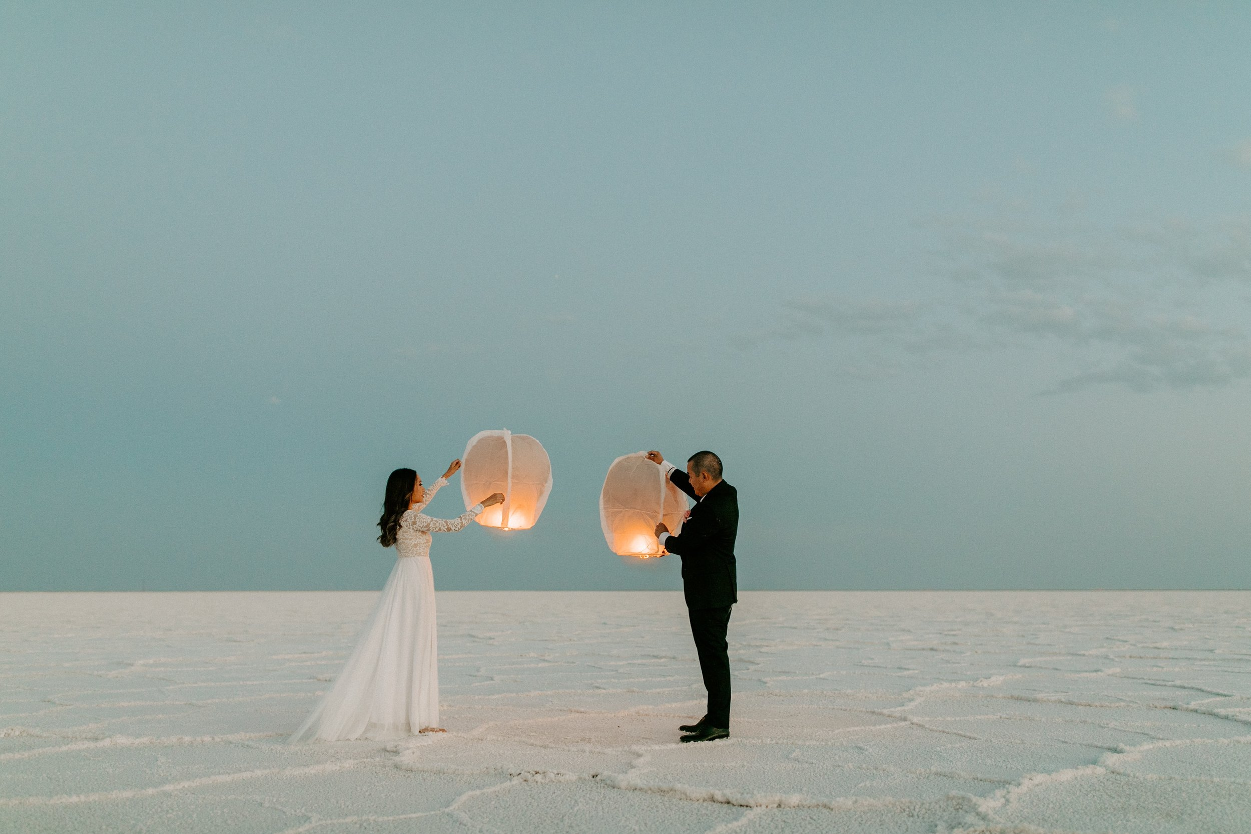 Salt Flats wedding with floating lanterns-Photography by Dawn Charles