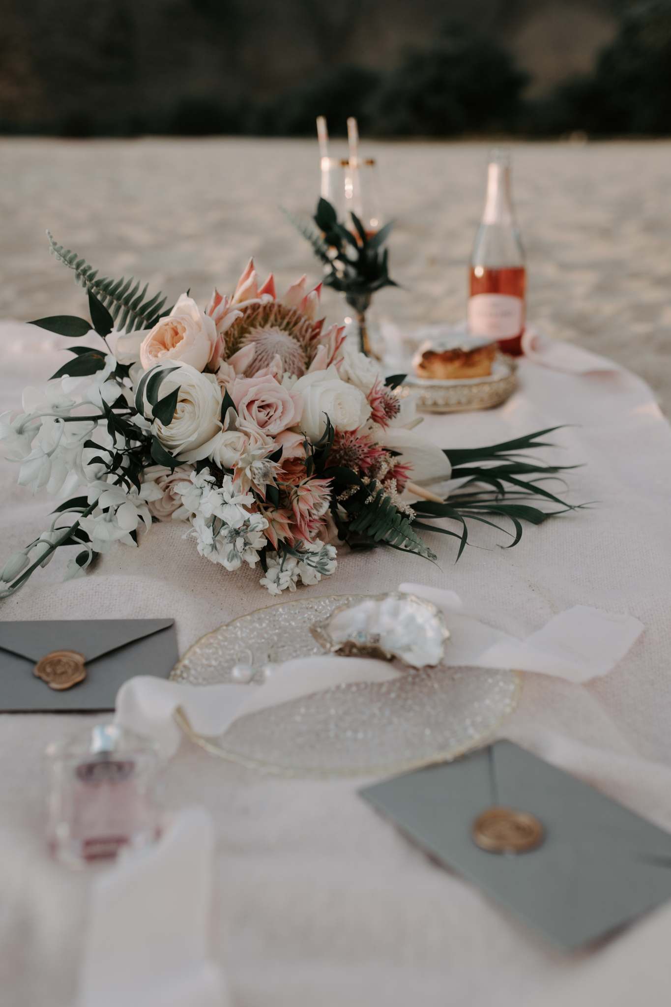 Hawaii Beach Picnic Photoshoot by Hawaii Wedding Photographer Desiree Leilani